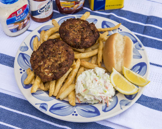 Camerons Seafood Rockville MD Crab Cake Platter 550x440 - Cameron's Seafood, Rockville MD
